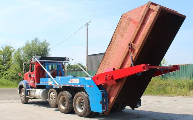 Ace Lugger Hoist Truck in Dumping Position